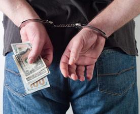 cash-criminal-th2