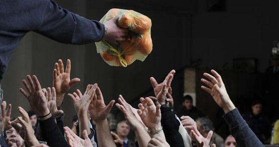 food-crisis-hands1