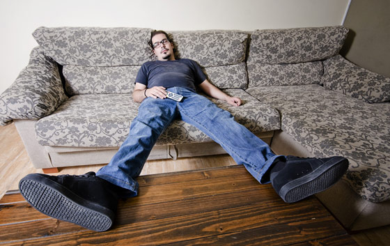 millenial-chilling-couch
